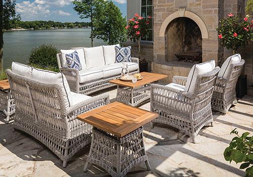 White Wicker outdoor Furniture Set